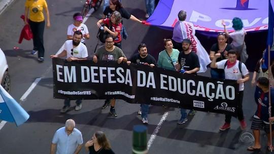 Protesto contra a reforma da Previdência é realizado na Região Central de Porto Alegre