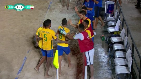 Os gols de Brasil 6 x 4 Irã pela semifinal da Copa Intercontinental de futebol de areia
