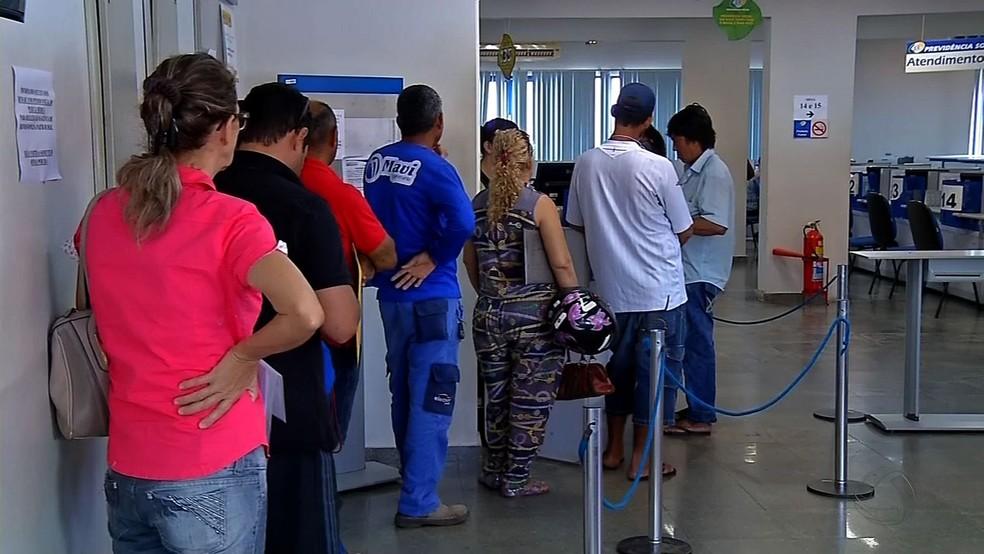 Agência do INSS em Rondonópolis — Foto: Reprodução/TVCA