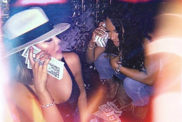 Khloé Kardashian e Malika Haqq (Foto: Reprodução Instagram)