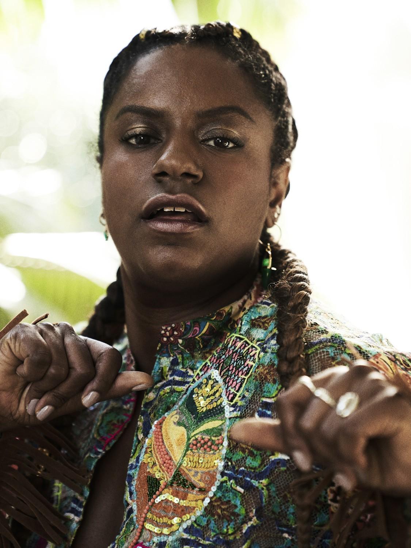 Shirley Cruz interpreta Gláucia em Bom Sucesso (Foto: Victor Affaro/Divulgação)