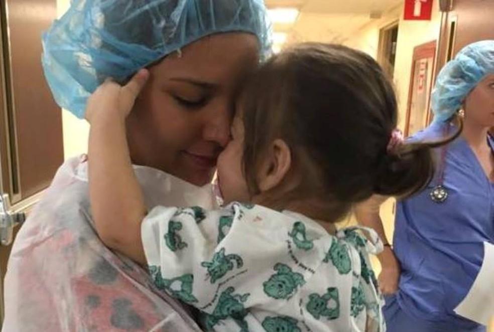 Daiana e Nicolly no hospital: Nunca duvidei, diz a maãe (Foto: Daiana Pereira/Arquivo Pessoal)
