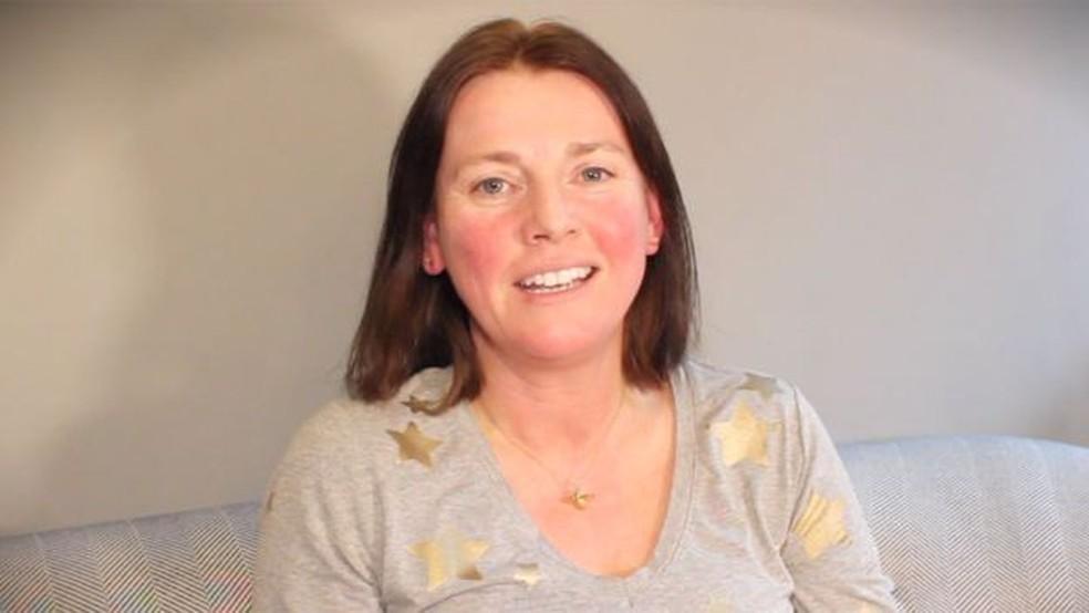 Kathryn quer compartilhar sua história com outras mulheres — Foto: KATHRYN BERRISFORD/BBC
