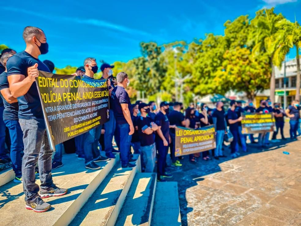 Policiais penais fazem ato em Rio Branco e pedem incorporação salarial e concurso público — Foto: Arquivo pessoal