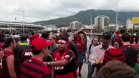 Passarela de acesso ao Maracanã abriga feirão de ingresso antes da semifinal da Libertadores