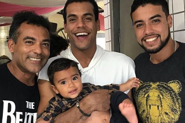 Marcelo e os filhos Marcelo Mello Jr, Márvio e João Marcelo (Foto: Reprodução/Instagram)
