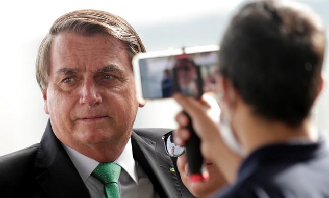Bolsonaro é filmado por um apoiador