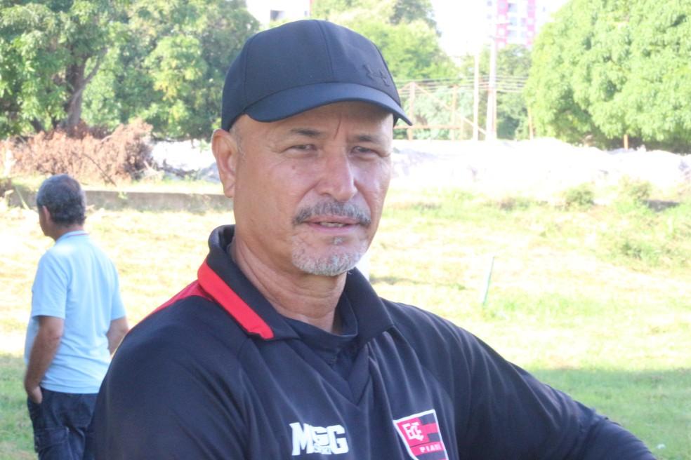 Paulo Júnior, treinador do Flamengo-PI (Foto: Wenner Tito/GloboEsporte.com)