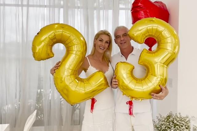 Ana Hickmann e Alexandrem Correa comemoram 23 anos de casamento (Foto: Reprodução)
