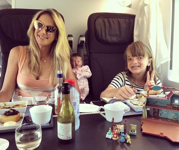 Ticiane Pinheiro e Rafinha Justus  na viagem de trem de Paris a Londres (Foto: Reprodução Instagram)