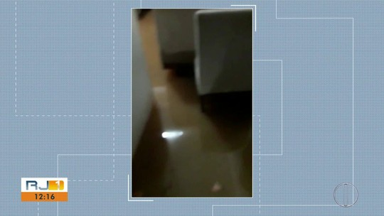 Chuva alaga bairros e deixa famílias desalojadas em São Fidélis, no RJ