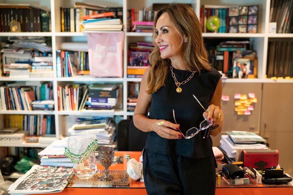 Promotora mapeia sinais de violência do homem e lança livro digital com alerta para mulheres