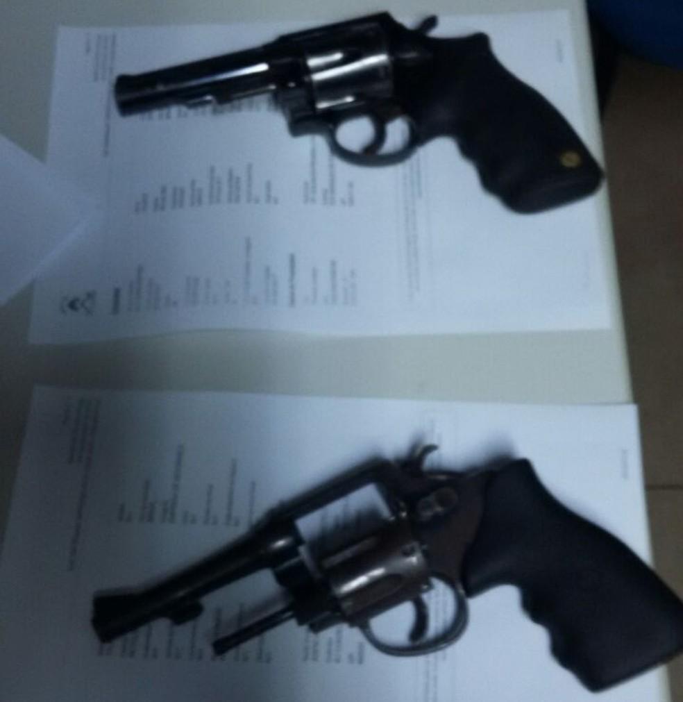 Armas apreendidas com suspeitos pertencem a empresas de vigilância de Araguaína (Foto: Polícia Civil/Divulgação )
