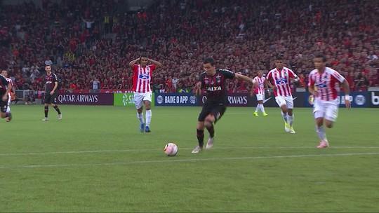 Melhores momentos: Atlético-PR 1 (4) x (3) 1 Junior Barranquilla pela Copa Sul-Americana