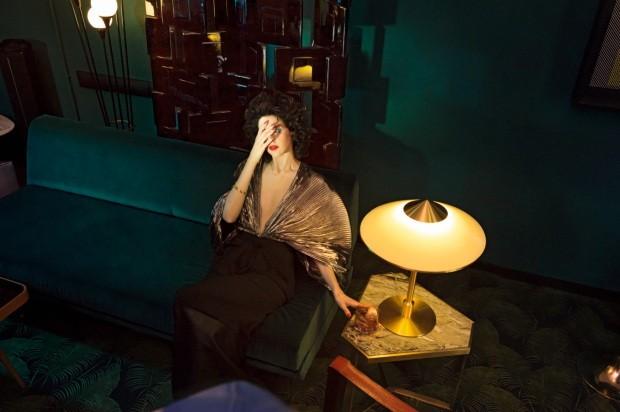 David Lynch inspira ambientes ousados em editorial de decoração (Foto: Alfonso Ohnur)
