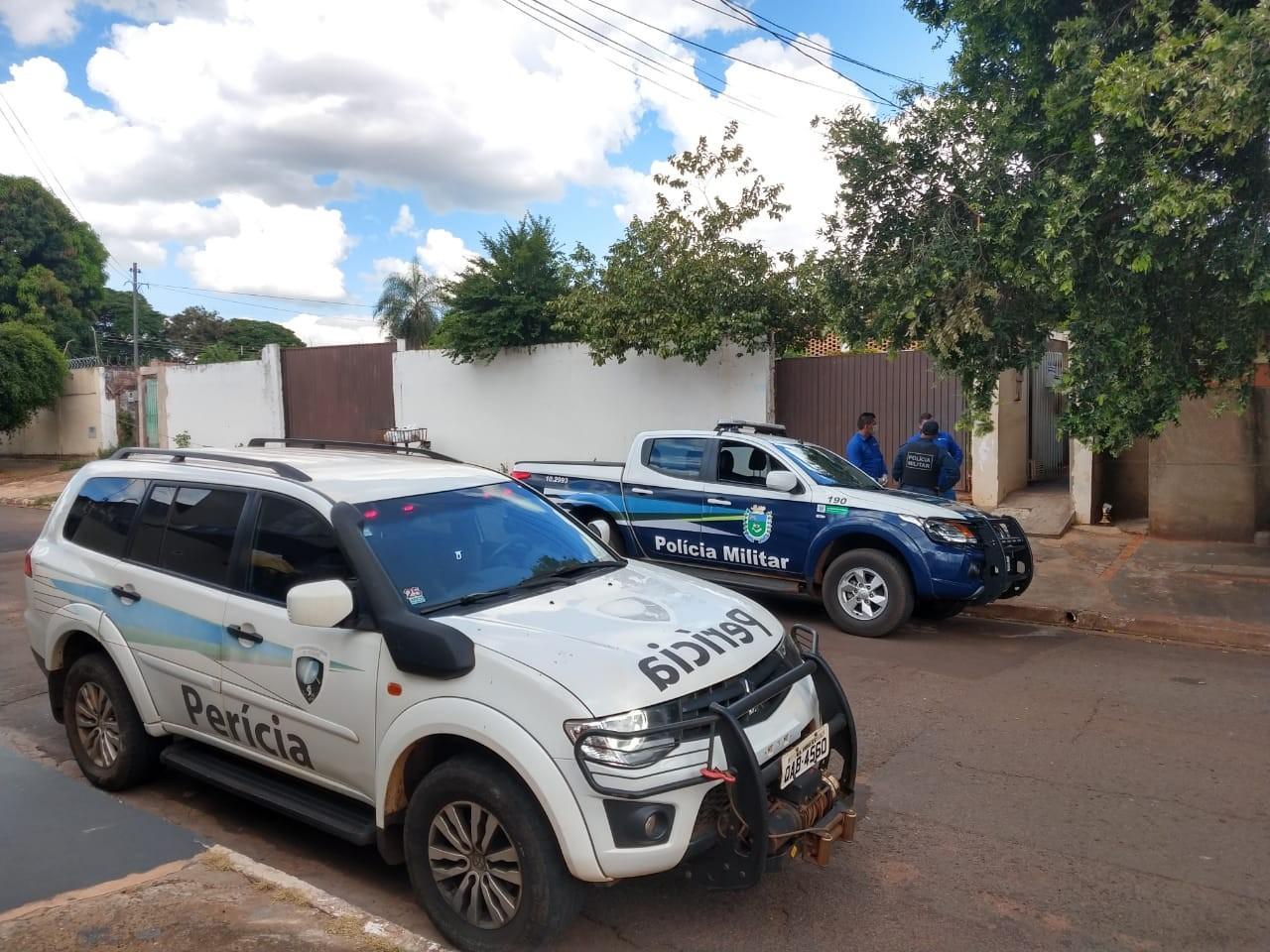 Homem mata vizinho esfaqueado após discutir sobre limpeza de vila de casas em MS, diz polícia