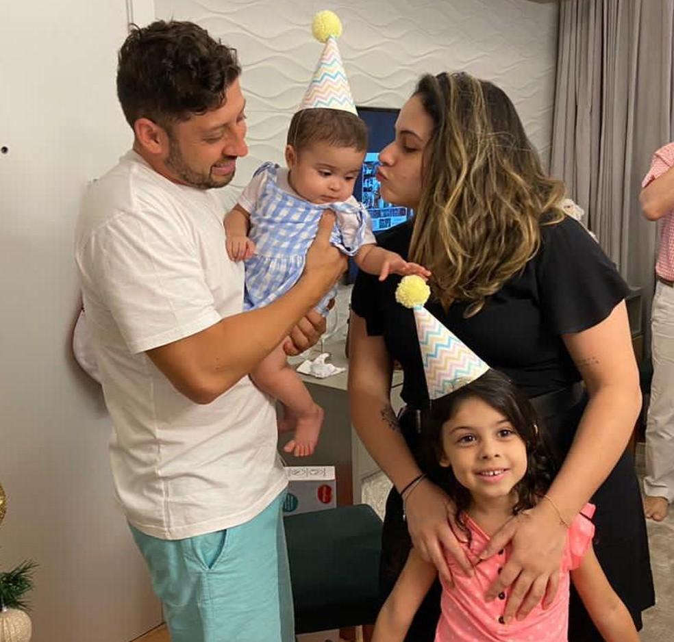Júlia comemorou 1 ano de vida em dezembro de 2020 — Foto: Arquivo Pessoal/Vitória Franchini