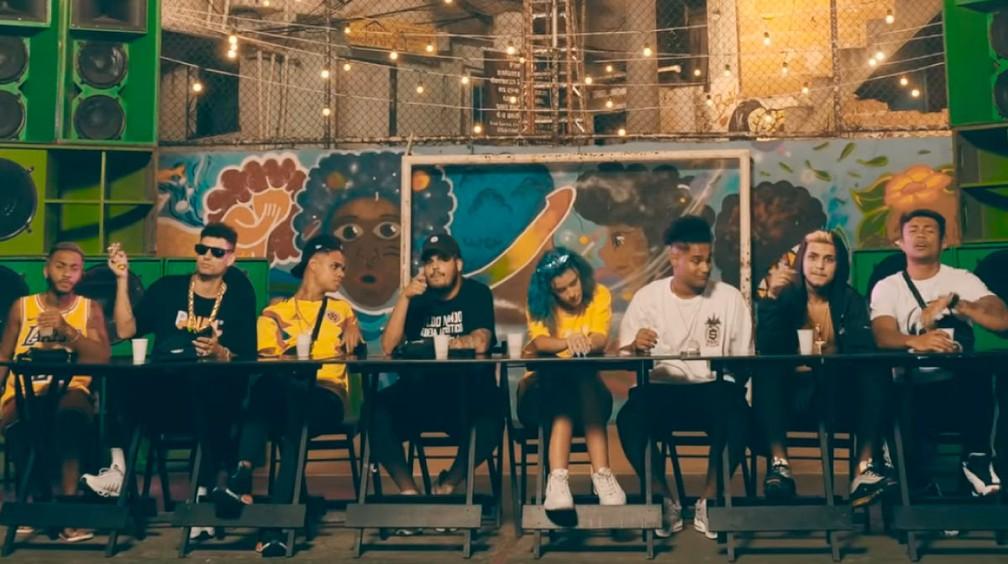Rappers cantam no projeto Poesia Acústica — Foto: Divulgação