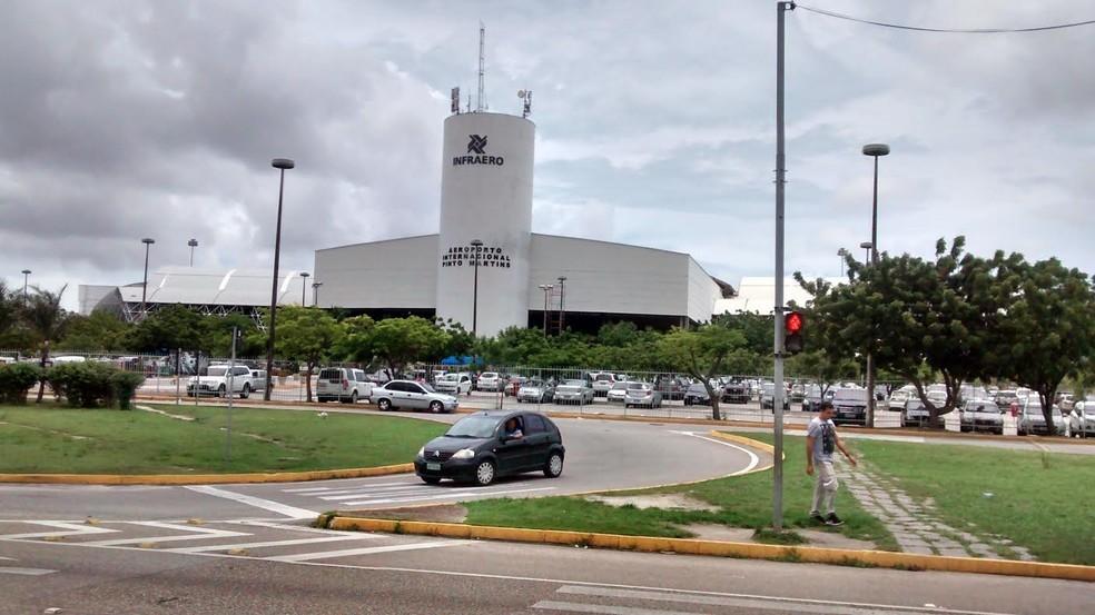 Interdição será feita na Avenida do Aeroporto para instalação de passarela (Foto: Gioras Xerez/G1)