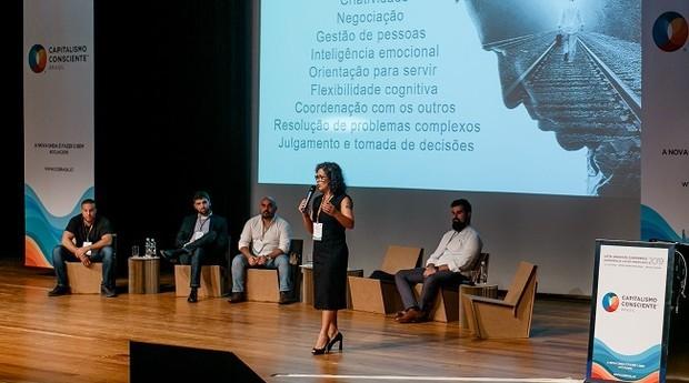 Káritas Ribas no palco do CCLAC 2019 (Foto: Yasmin Dib)