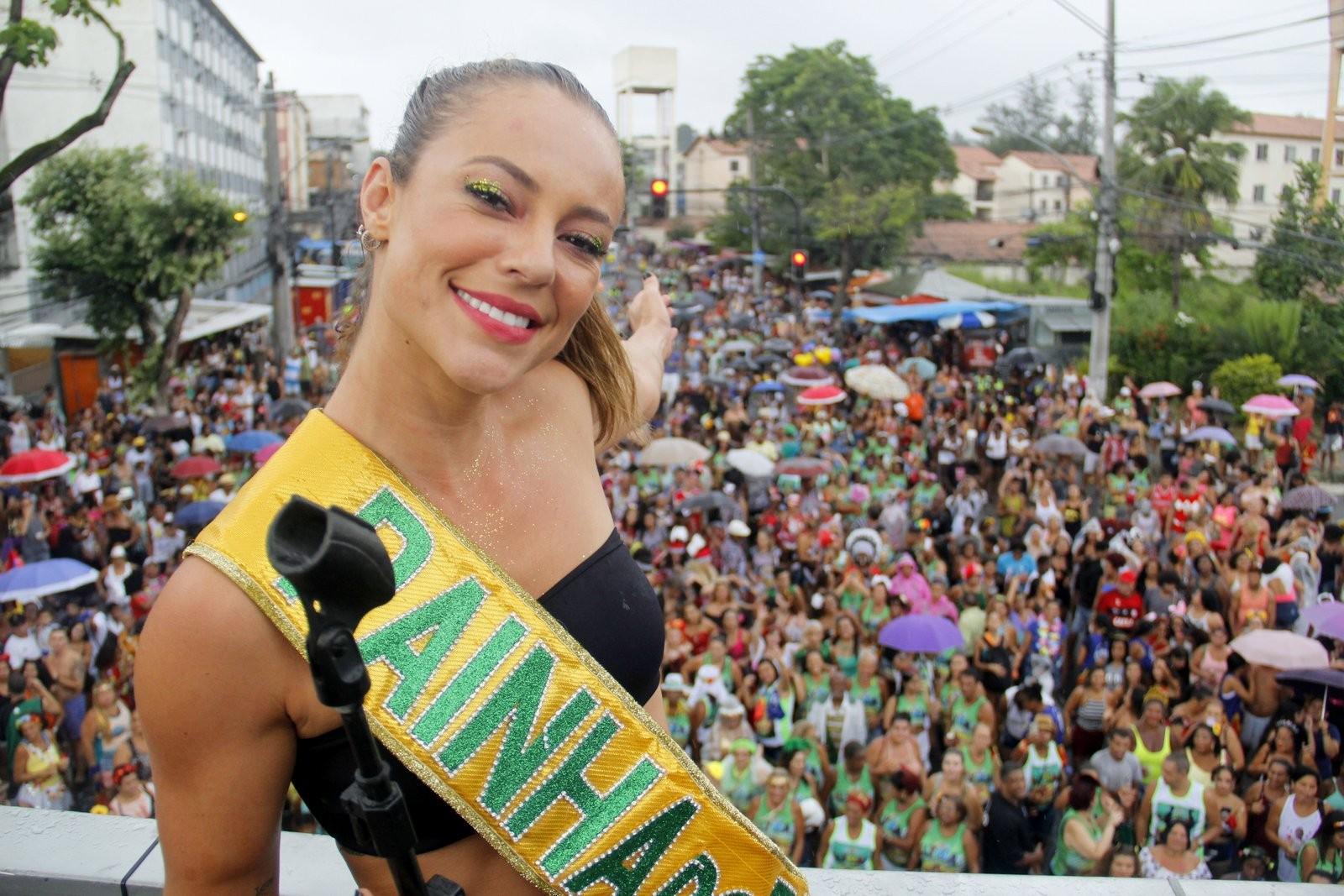 AO VIVO: Blocos do Rio levam 1 milhão para as ruas
