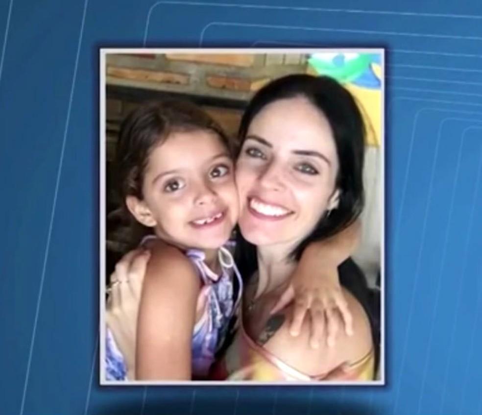Raquel e a filha Luana, que estava desaparecida (Foto: Reprodução/TV Santa Cruz)
