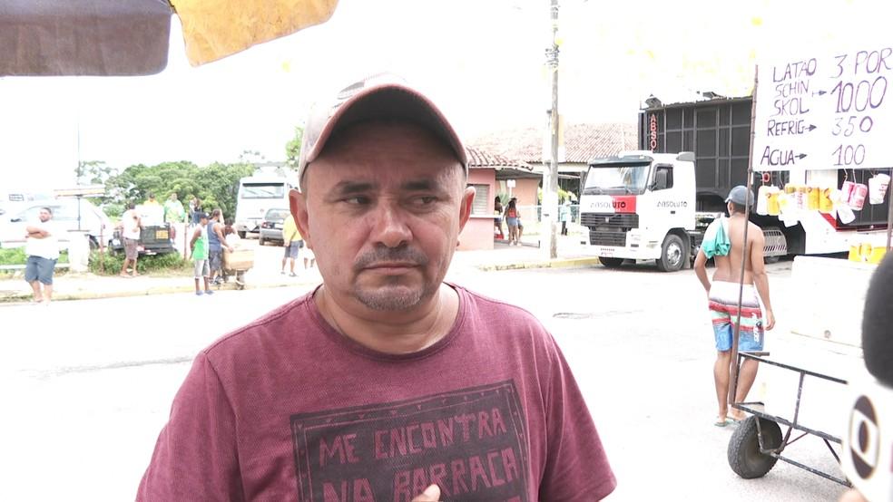 O líder comunitário Josias de Lima, que trabalha na Secretaria de Saúde, disse que recebeu o áudio enviado pelo prefeito — Foto: Reprodução/TV Globo