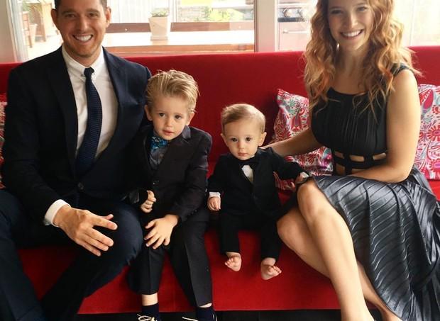A família do cantor Michael Bublé, que passou por maus bocados, vai aumentar (Foto: Reprodução/ Instagram)