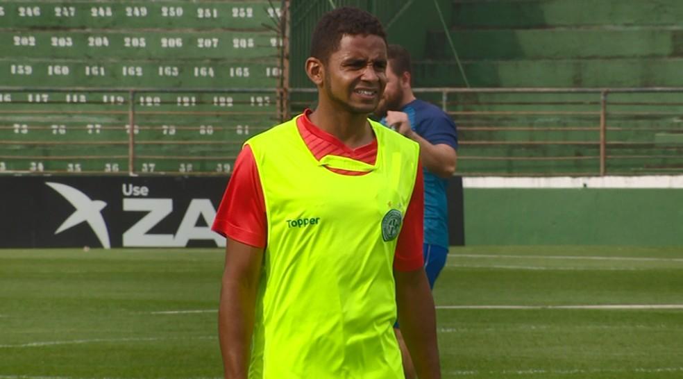 Deivid participou normalmente do treino com o grupo — Foto: Carlos Velardi / EPTV