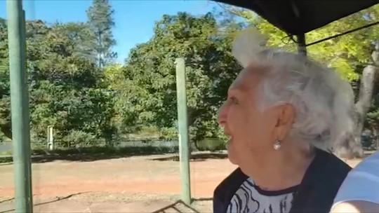 Ciclista conduz passeios para idosos e pessoas com mobilidade reduzida em Uberlândia