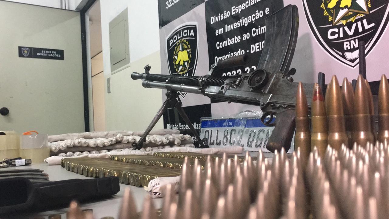 Suspeito de assaltos a carros-fortes morre em confronto com a polícia no RN; metralhadora, munições e explosivos são apreendidos - Notícias - Plantão Diário