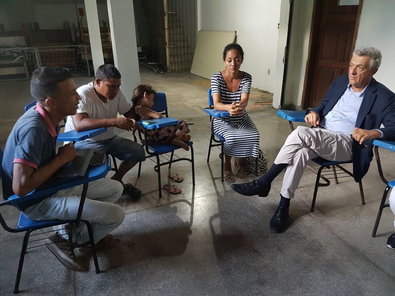 Chefe de comissão da ONU visita abrigos e conversa com refugiados venezuelanos em Manaus - Notícias - Plantão Diário