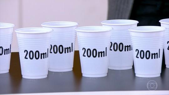 Nem muita, nem pouca; beba água conforme a sede indicar