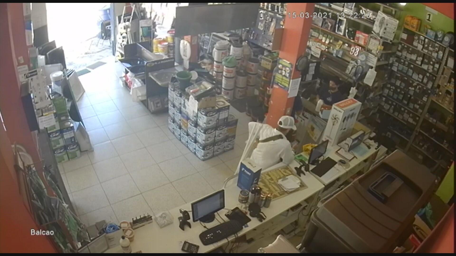 Homem é preso quando tentava aplicar golpe e roubar uma loja de produtos agrícolas na Grande BH