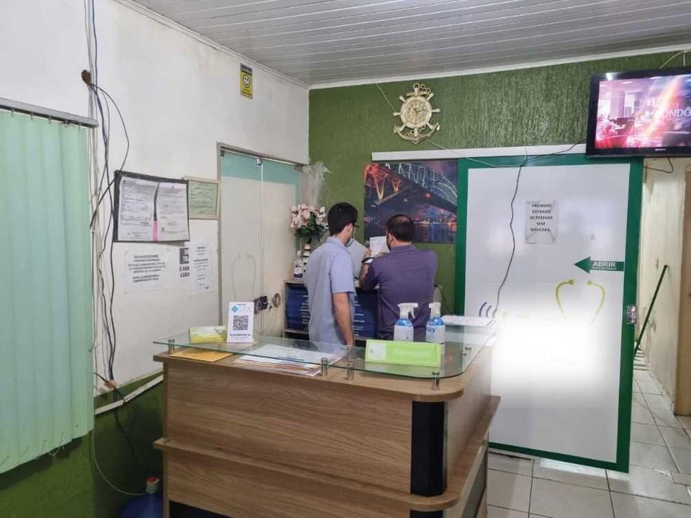 Fiscalização do Cremero flagra mãe e filho praticando exercício ilegal da medicina em Porto Velho. — Foto: Cremero/Divulgação