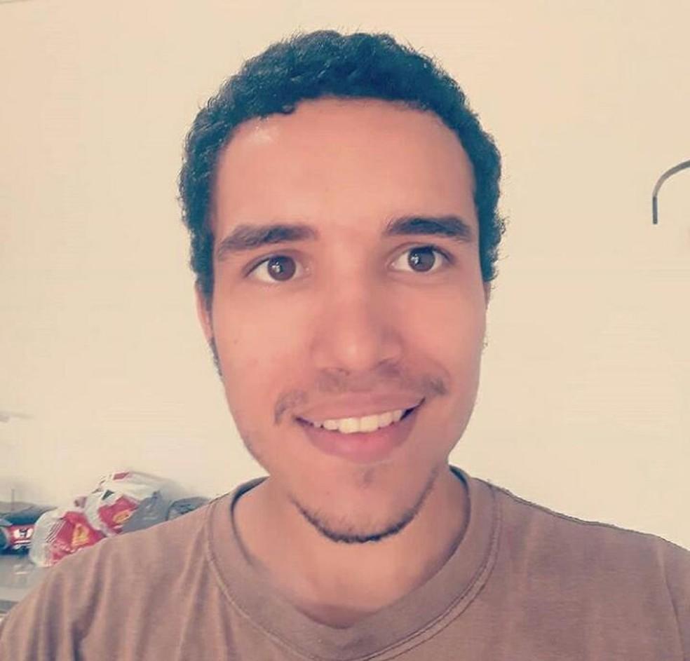Paulo Sérgio é aluno de letras na Unir — Foto: Arquivo pessoal/Reprodução