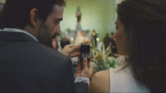 'Sob Pressão': Carolina e Evandro trocam alianças na segunda temporada