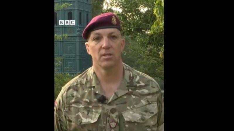 BBC - Kaiser faceva parte della squadra che si occupava dei bambini fuggiti dai talebani a Kabul (Immagine: BBC News)