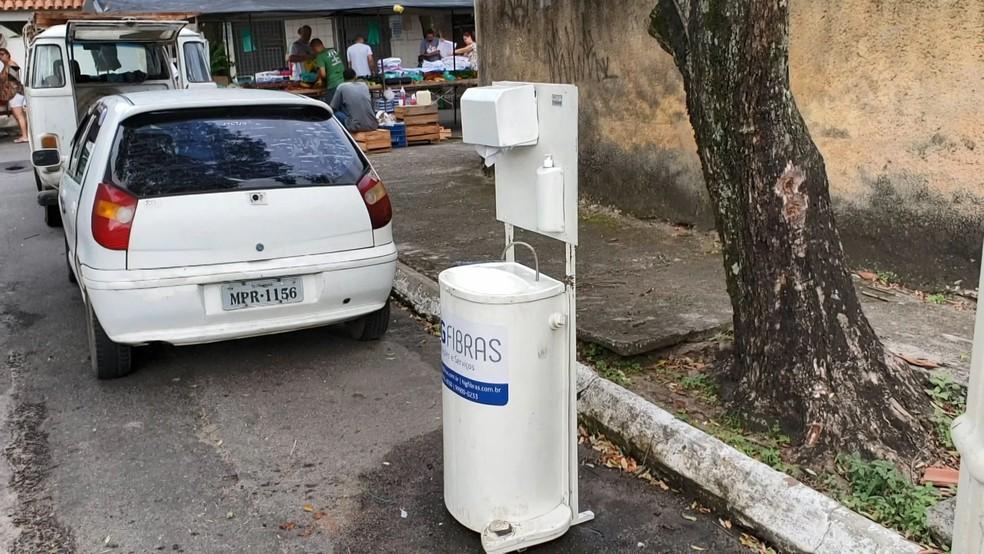 Pia instalada na feira do bairro Araças, em Vila Velha — Foto: Reprodução/TV Gazeta