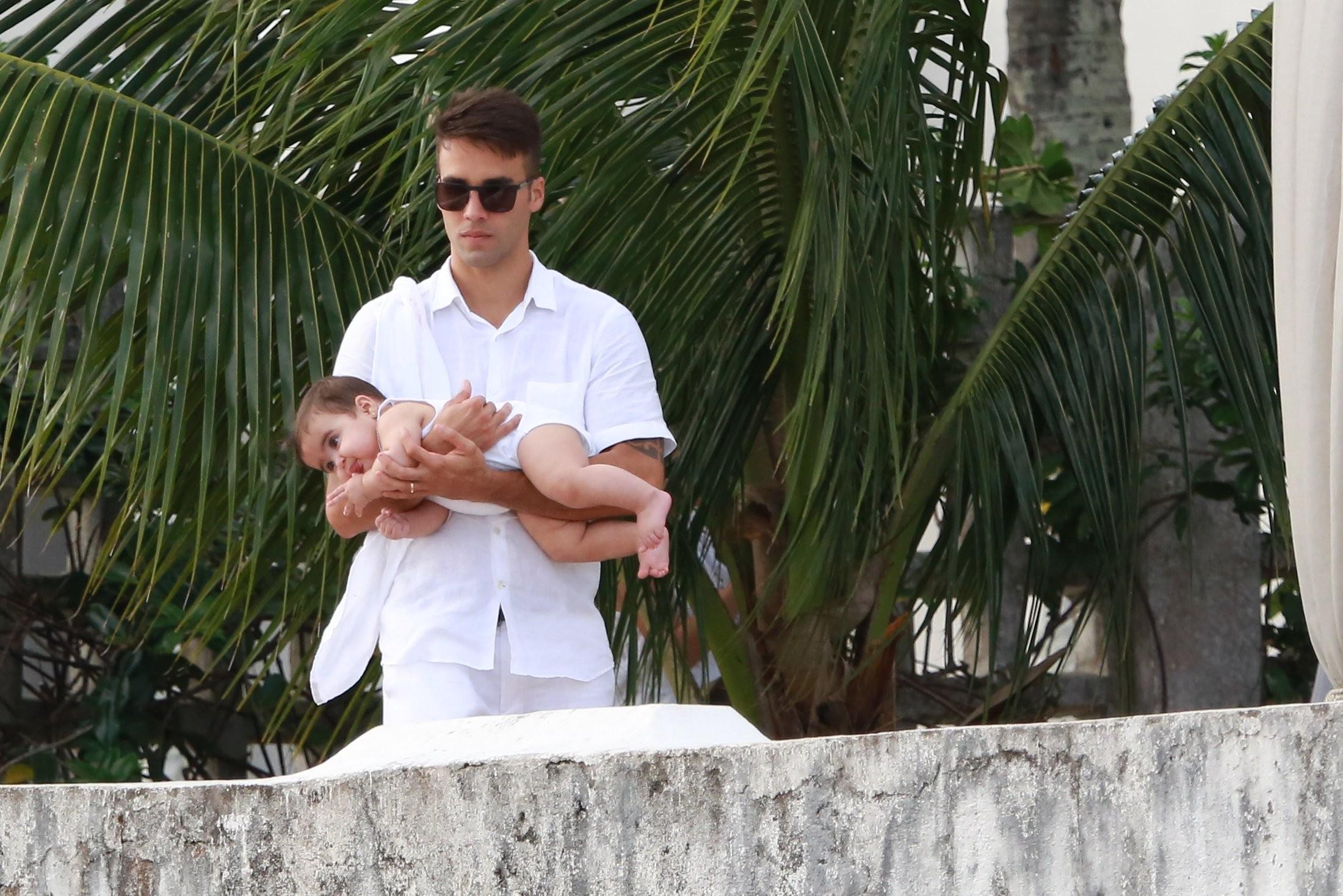 Daniel Cady com uma das filhas (Foto: Agnews)