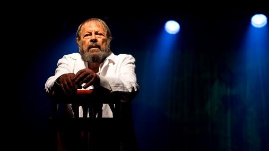 Carlos Vereza estreia monólogo no teatro: 'Enquanto houver um tablado e paixão, a arte não vai morrer'