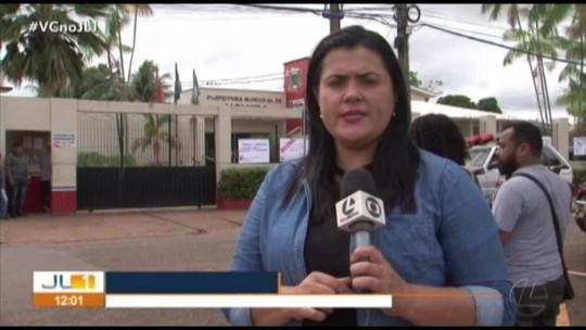 Servidores de escolas municipal cobram pagamento de 13º salário em Altamira