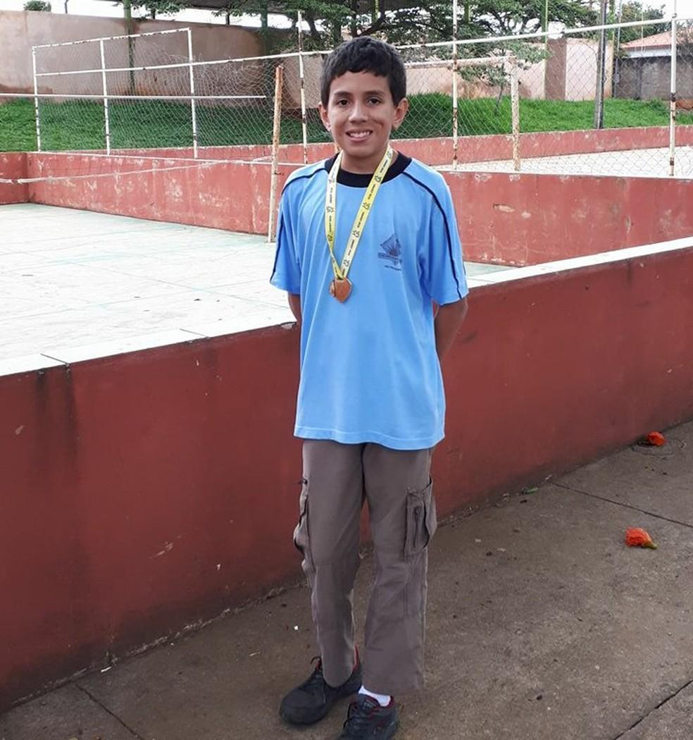 Adolescente de Rio Paranaíba (MG) foi medalhista na Obmep (Foto: Fabrícia Queiroz/ Arquivo Pessoal)
