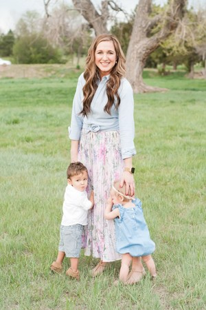 Katie e os irmãos Grayson, 2, Hannah, 1 (Foto: woodandgraceblog)