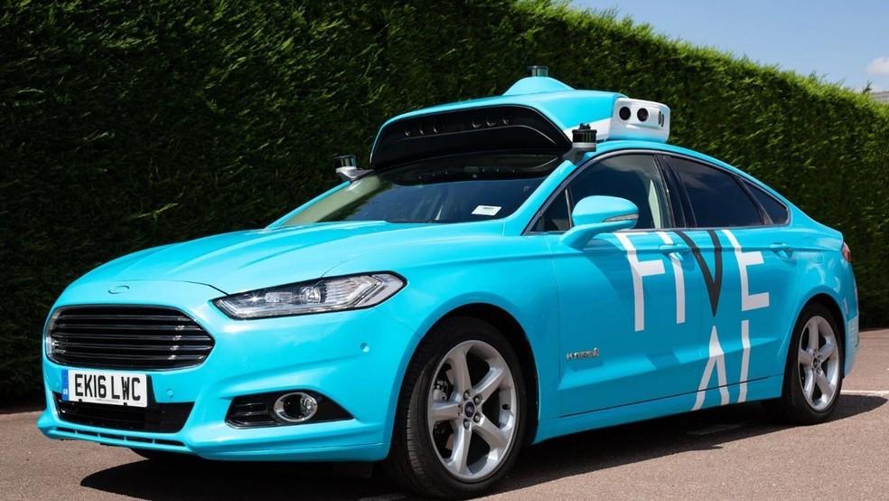 Veículo é versão modificada de Ford Mondeo com sensores especiais para se mover sem motorista — Foto: Divulgação/FiveAI