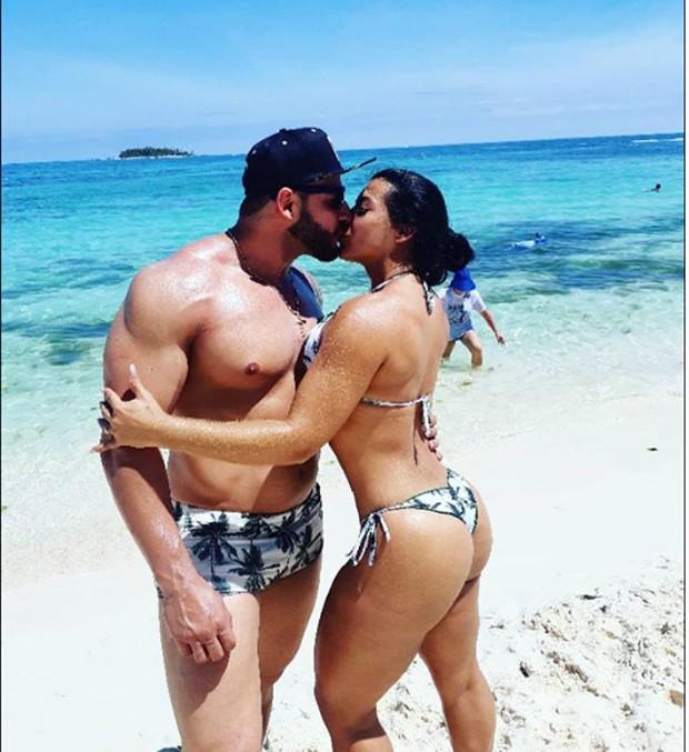 Priscila Pires e o marido (Foto: Reprodução/Instagram)