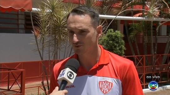 """Clube paulista estuda medida judicial para evitar golpes: """"Quando for fácil, desconfie"""""""