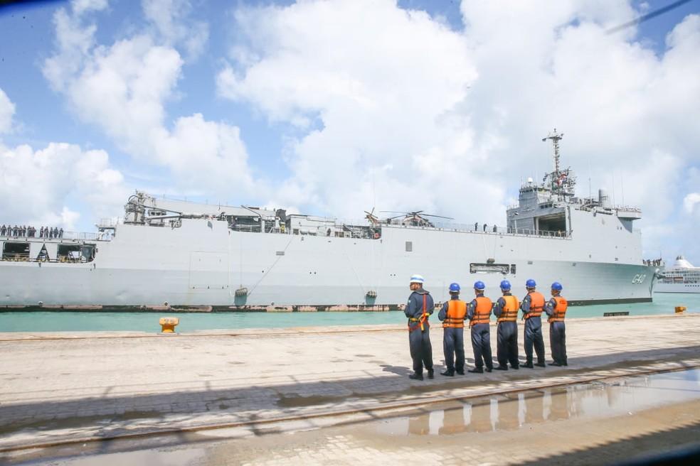 O Navio Doca Multipropósito foi incorporado à Esquadra brasileira em 2015 da Marinha Nacional da França. — Foto: Camila Lima / SVM