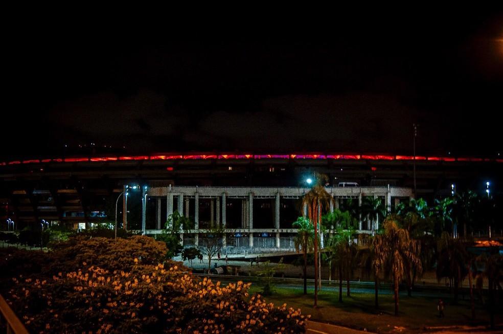 Flamengo divulga imagens do Maracanã todo avermelhado um dia antes da semifinal — Foto: Marcelo Cortes/Flamengo