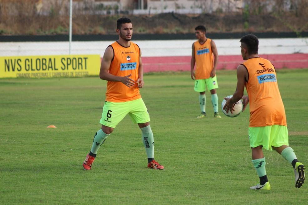 Com treinos mantidos, Galo segue na esperança de vaga na final da Copa Piauí  (Foto: Arthur Ribeiro/GloboEsporte.com )